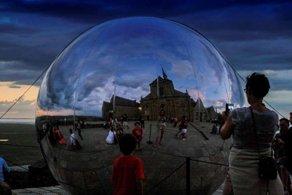 Mont Saint Michel nella palla di vetro