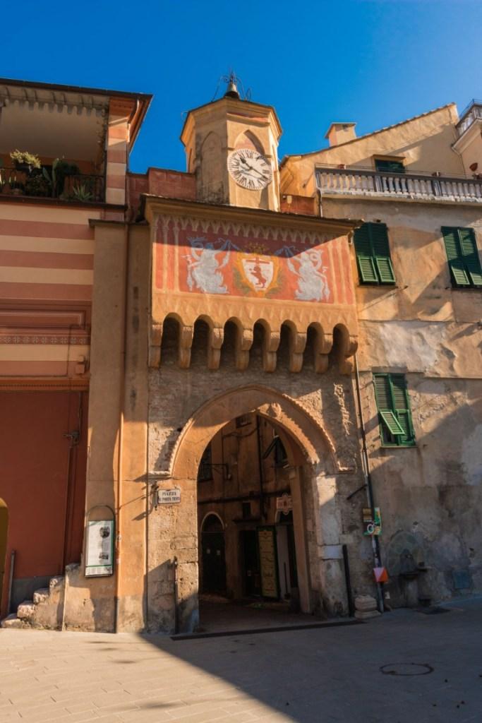 Finalborgo medievale la porta medioevale
