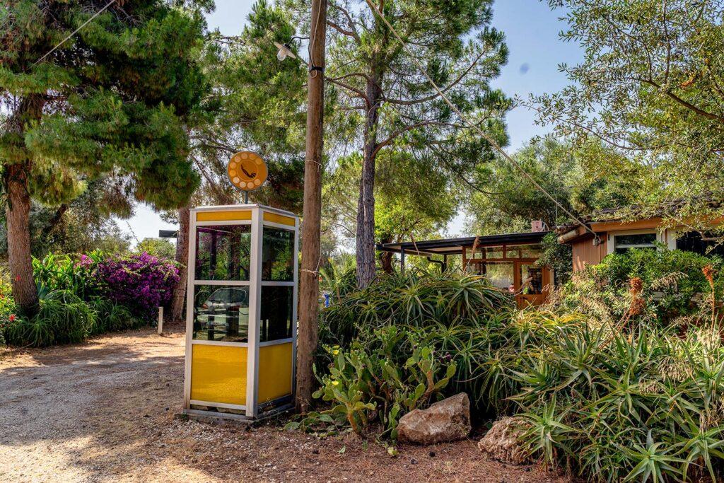vecchia cabina telefonica