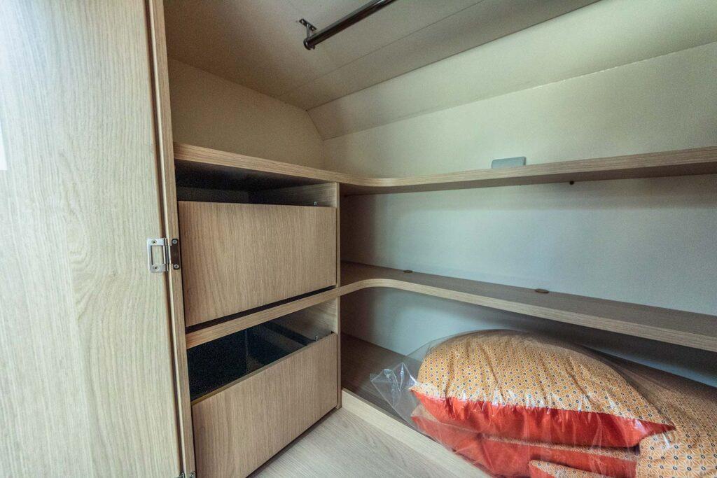 cassetti della cabina armadio