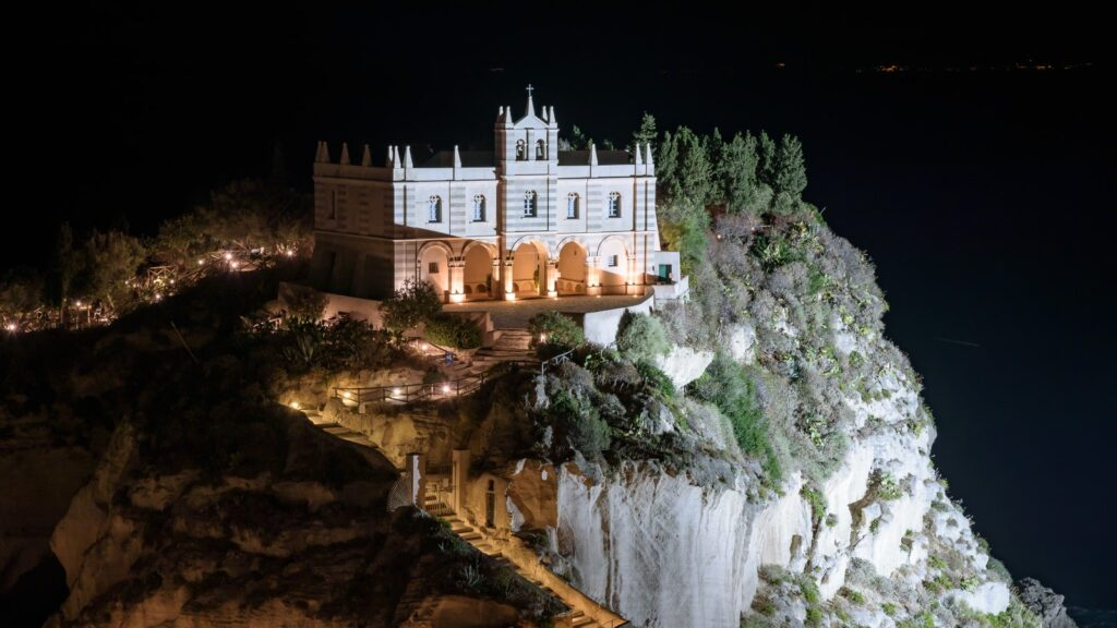 Santuario di notte