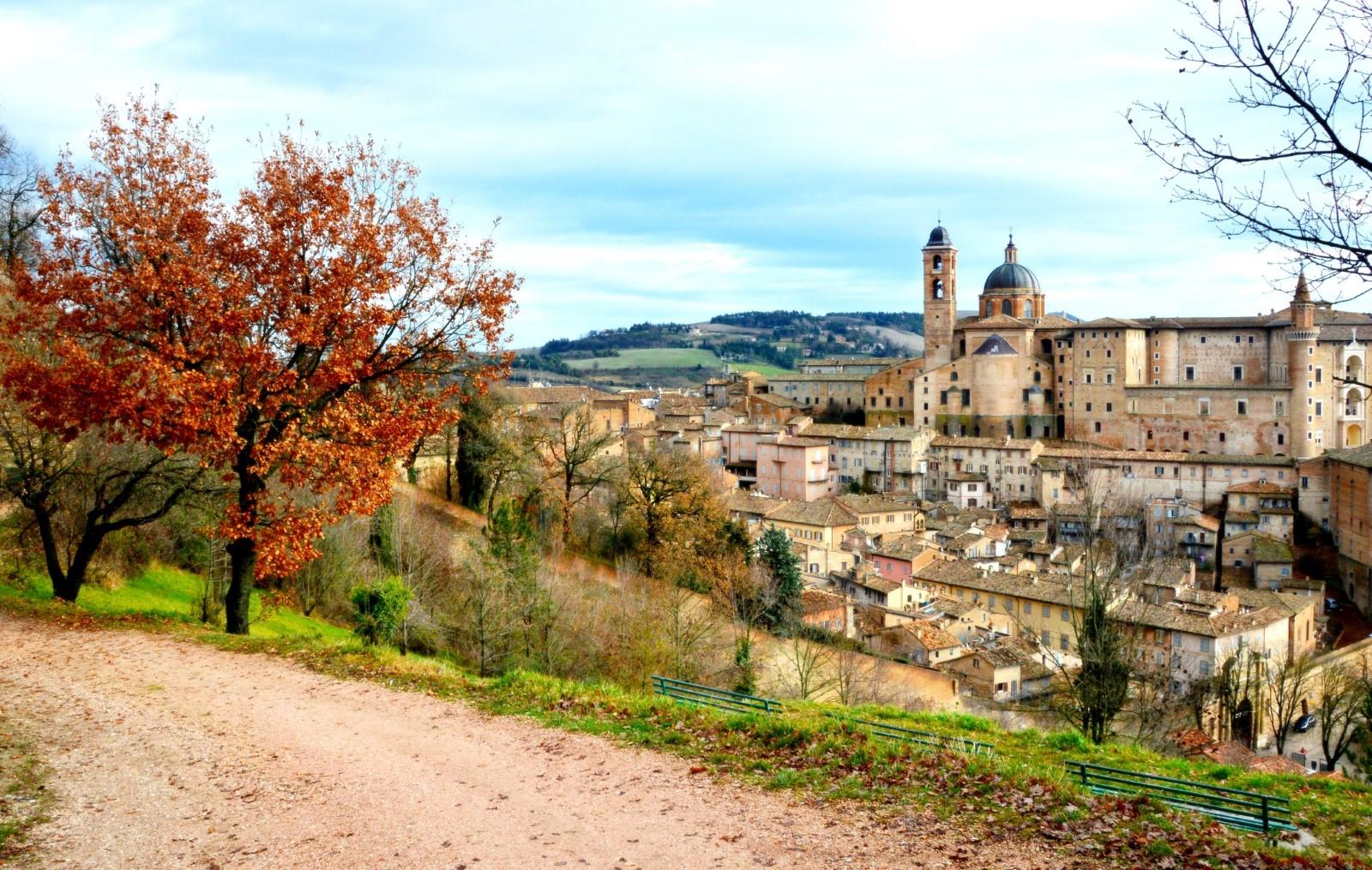 Urbino in Camper