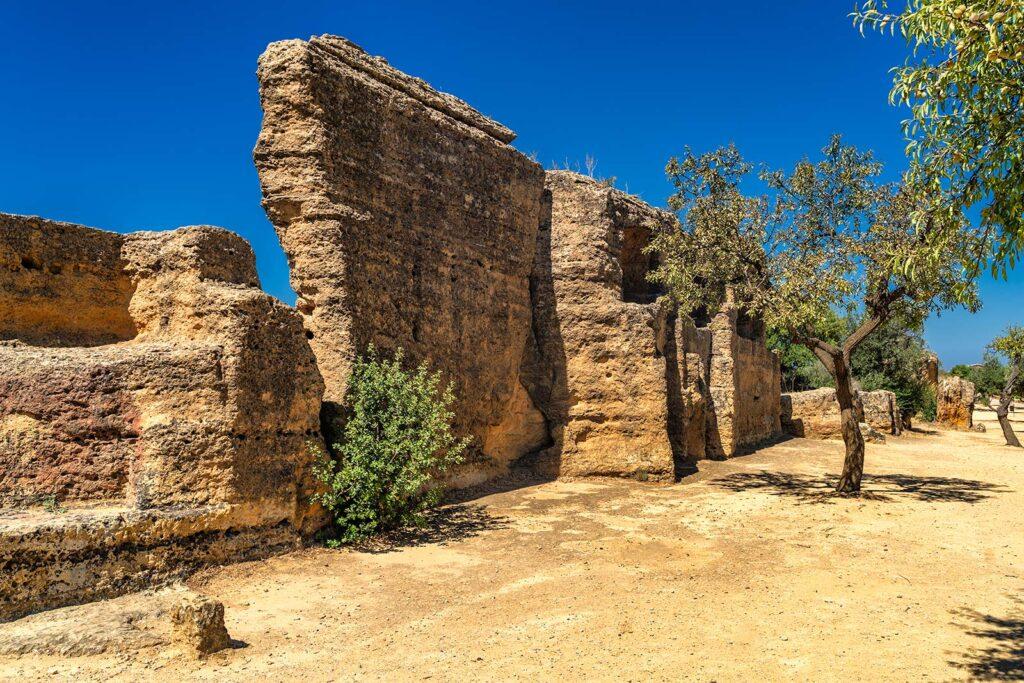 mura valle dei templi