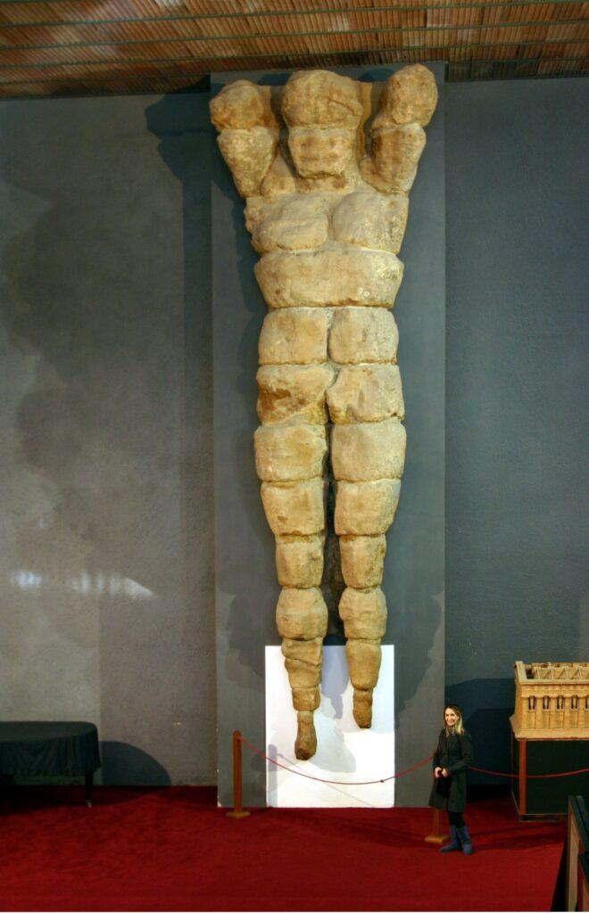 telamone nel museo