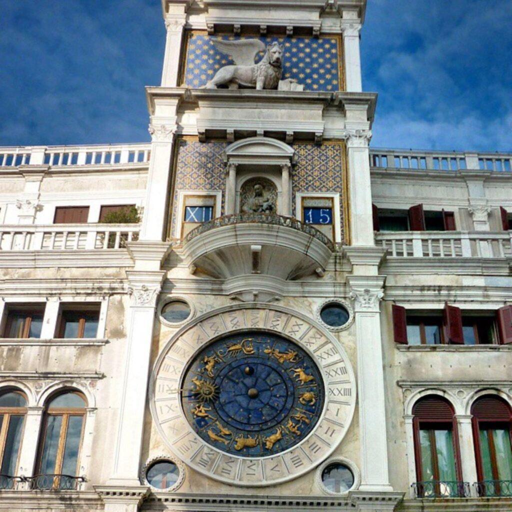 dettaglio torre dell'orologio
