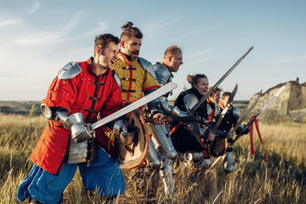 cavalieri medievali all'attacco