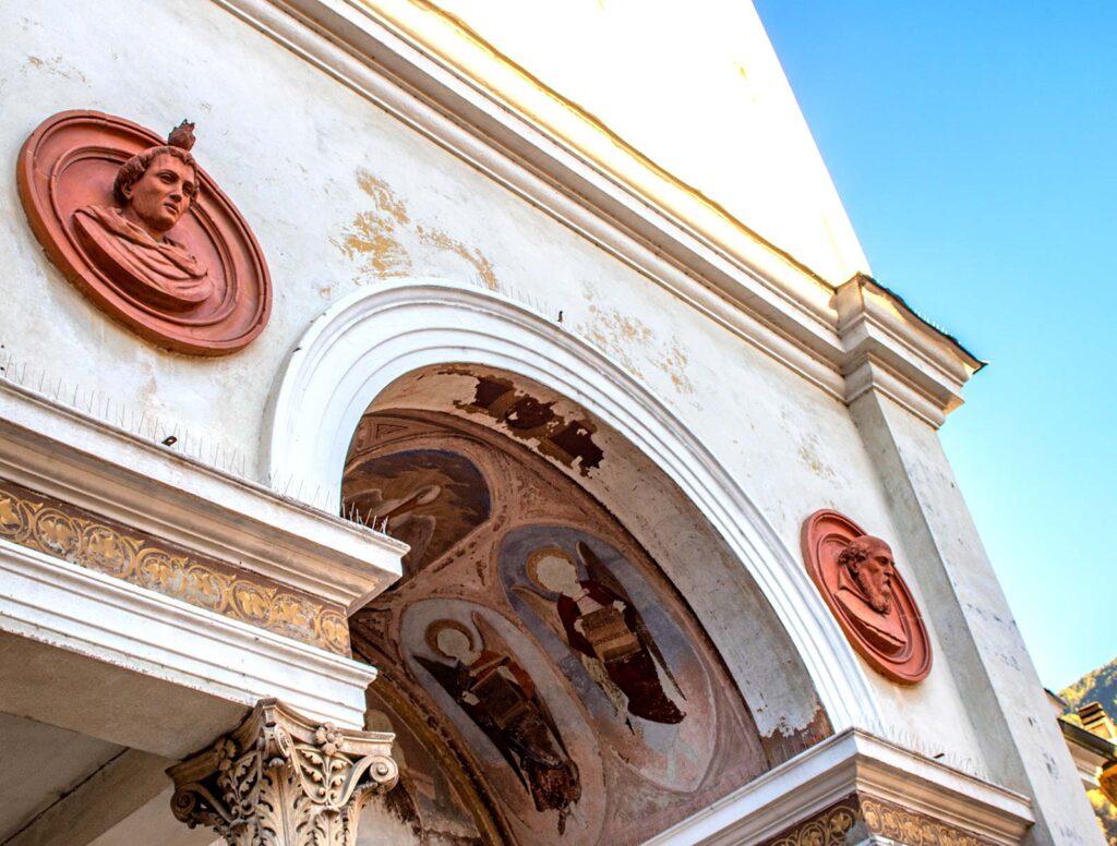 Un dettaglio della Collegiata Prepositurale di San Martino.