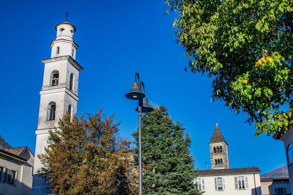 Il campanile su più livelli della Chiesa di Sant'Agostino.