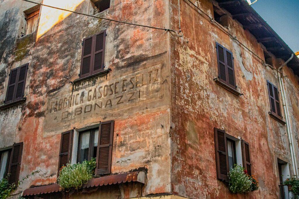L'antica fabbrica di seltz e gazzose.