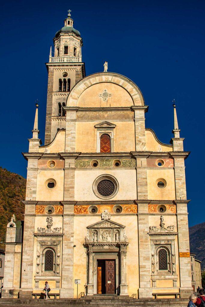 La facciata del Santuario in tutto il suo splendore.