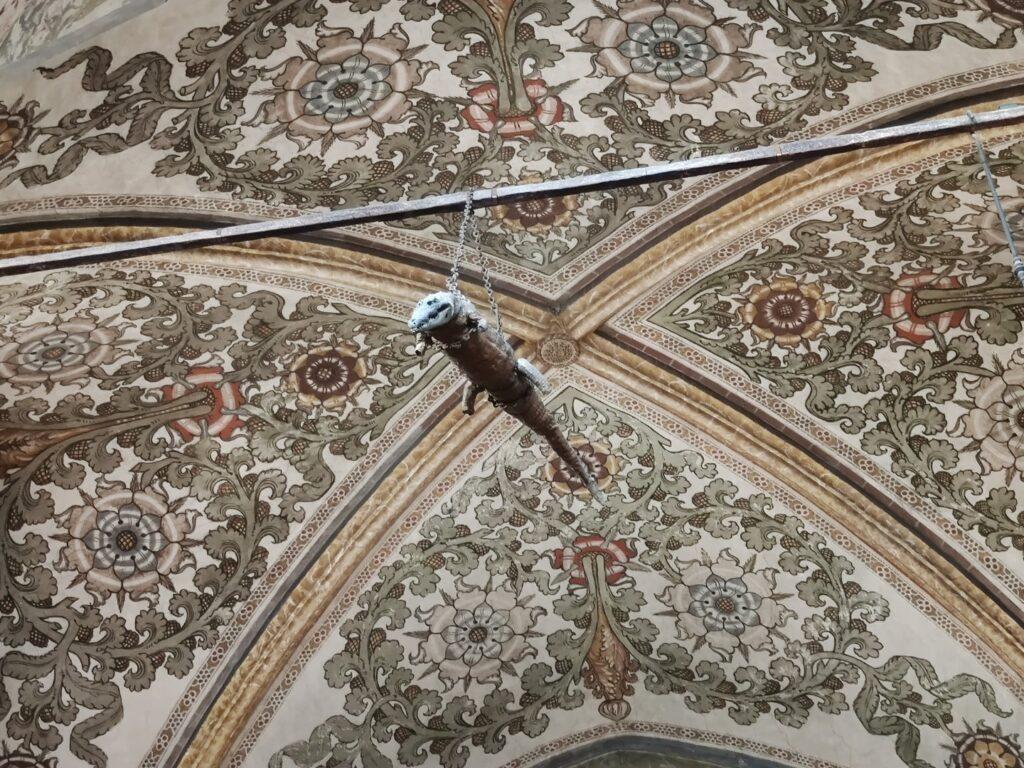 Il coccodrillo appeso nel Santuario di Grazie di Curtatone.