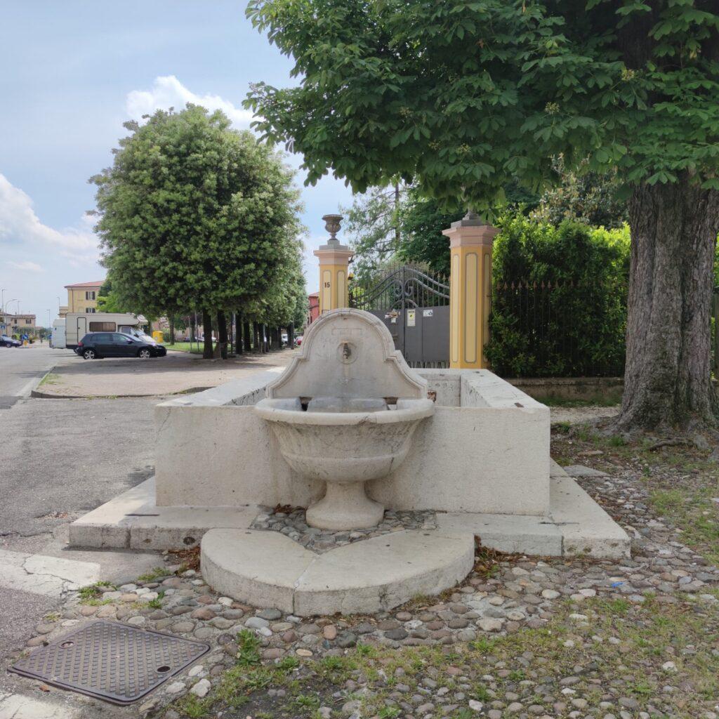 fontana di via zanardelli