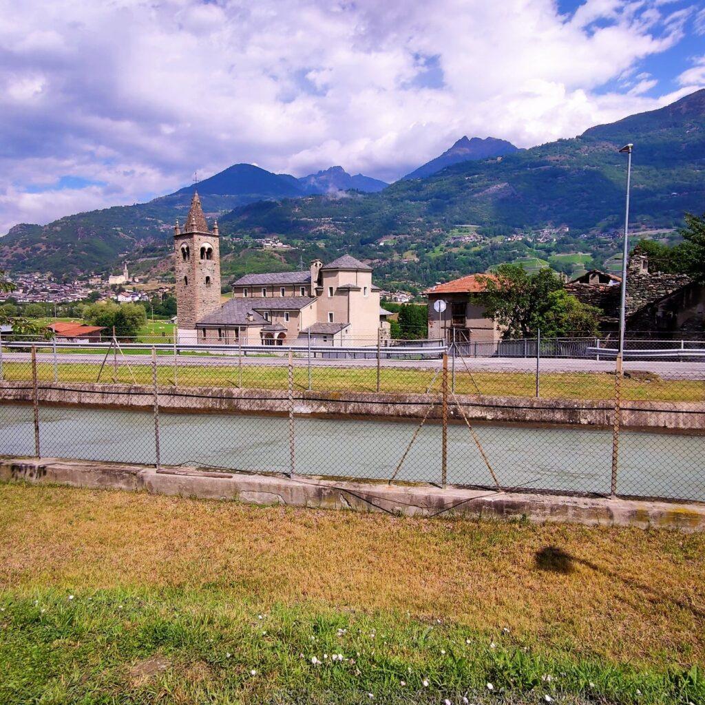 Canale e chiesetta